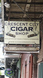 Cigarren shoppar i New Orleans den franska fjärdedelen - NEW ORLEANS, LOUISIANA - APRIL 18, 2016 Royaltyfri Foto