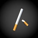 Cigarrillo ardiente Fotos de archivo libres de regalías