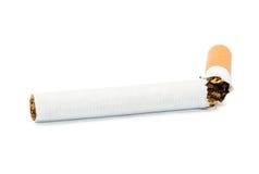 Cigarrillo roto imagenes de archivo