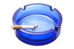 Cigarrillo y cenicero Foto de archivo libre de regalías