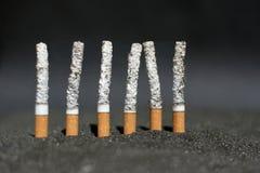 Cigarrillos ardientes Foto de archivo