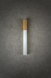 Cigarro a bordo Imagens de Stock