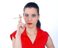 Cigarro de fumo da mulher Imagens de Stock Royalty Free