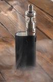 Cigarro eletrônico ajustável, alternativa não carcinogênica para fumar Fotos de Stock