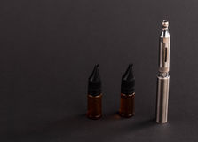 Cigarro eletrônico avançado grande Fotos de Stock Royalty Free