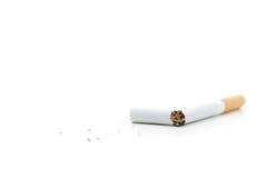 Cigarro quebrado imagem de stock