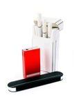Cigarros, isqueiro e fósforos fotos de stock royalty free