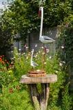 Cigogne trois faite de bois Image libre de droits