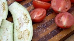 Ciie w połówek świeżych warzywa zdjęcie wideo