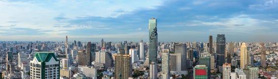 Ciity και επιχείρηση της Μπανγκόκ αστικά κεντρικός της Ταϊλάνδης, πανόραμα στοκ φωτογραφία