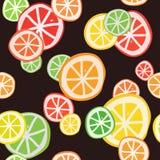 Cijfer met citrusvruchtenplakken op een donkere achtergrond Naadloos patroon stock illustratie