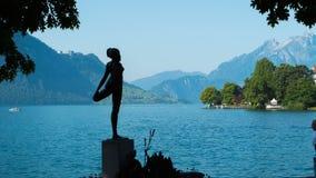 Cijfer van een meisje in het dorp van Weggis op Meer Luzerne in Zwitserland Royalty-vrije Stock Afbeeldingen