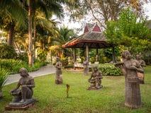 Cijfers in een park, Thailand stock fotografie