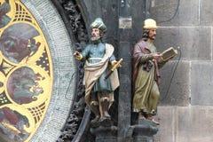 Cijfers van de Astronoom en de Kroniekschrijver op Praag Astro stock foto's