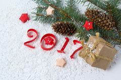 Cijfers van document, Kerstboom en kegels worden gesneden die Royalty-vrije Stock Foto