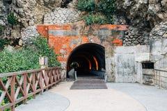 Cijin tunnel i den Cijin ön, Kaohsiung, Taiwan arkivfoton