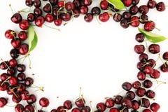 Ciliegia Mazzo fresco rosso di ciliege sulla tavola Fotografia Stock Libera da Diritti