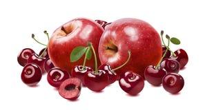 Ciliegia rossa della mela isolata su fondo bianco Fotografia Stock Libera da Diritti