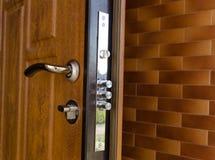 Cilindri tripli su una nuova serratura di alta sicurezza Fotografia Stock Libera da Diritti