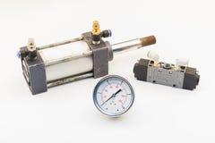 Cilindro do ar e válvula pneumática Foto de Stock