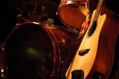 Cilindro e guitarra Imagem de Stock Royalty Free