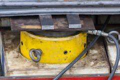 Cilindro hidráulico industrial Fotos de archivo