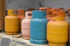 Cilindros de gas del color Foto de archivo