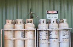 Cilindros de gas industriales Imágenes de archivo libres de regalías