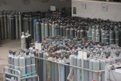 Cilindros de gas industriales Fotografía de archivo libre de regalías