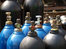 Cilindros del oxígeno y de gas Imagen de archivo