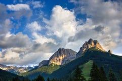Cima 11和Cima在日落的12登上,法萨谷,白云岩,意大利 免版税图库摄影