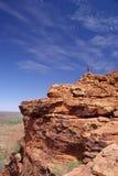 In cima all'affioramento roccioso Immagini Stock