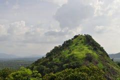 Cima de la montaña aislada Foto de archivo libre de regalías