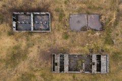 Cima del fuco gi? la vista di vecchie costruzioni abbandonate fotografia stock libera da diritti