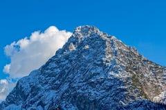 Cima della montagna nelle dolomia Fotografie Stock