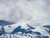 Cima della montagna in neve Fotografia Stock Libera da Diritti
