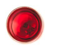 Cima della vista di vino rosso nel vetro isolato Immagine Stock