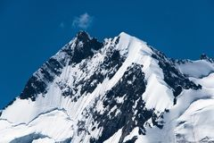 Cima delle alpi Pizzo Bernina di Rhaetian con il biancograt Creta Immagine Stock Libera da Diritti