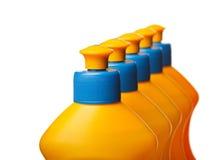Cima delle bottiglie di plastica gialle Fotografie Stock Libere da Diritti