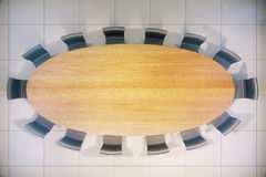 Cima di legno della tavola di conferenza Fotografie Stock Libere da Diritti