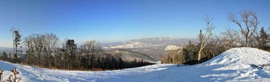 Cima di Pidan della collina per sciare Fotografie Stock