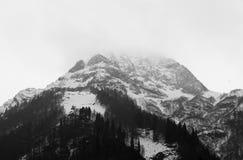 Cima di un'alta montagna Immagini Stock