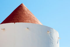 Cima di vecchio mulino a vento in disuso Fotografia Stock