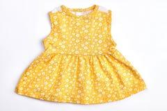 Cima modellata giallo della neonata Immagine Stock Libera da Diritti
