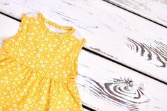 Cima senza maniche sveglia della neonata Immagini Stock