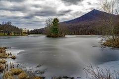 Cima tagliente da un lago congelato Abbott Fotografie Stock Libere da Diritti