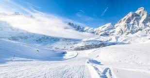 CIME Bianche nella stazione sciistica di Cervinio, Italia Fotografie Stock