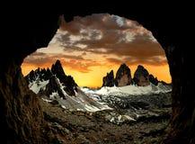 CIME de Tre di Lavaredo avec Paternkofel au coucher du soleil Photographie stock libre de droits