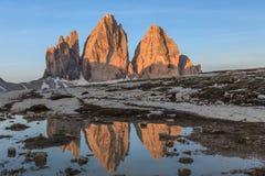 CIME di Lavaredo no nascer do sol, cumes de Tre da dolomite, It?lia imagem de stock royalty free