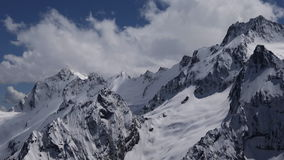 Cime innevate della montagna archivi video